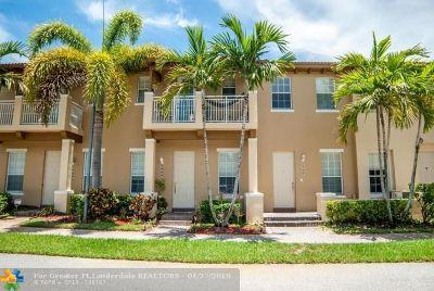 Boynton Beach Condo/Townhouse For Sale: 2606 NW 6 Court #2606