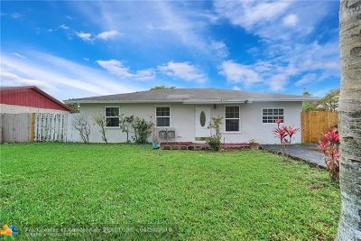 North Lauderdale Single Family Home For Sale: 8171 SW 5th St