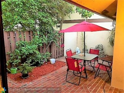 Oakland Park Condo/Townhouse Backup Contract-Call LA: 3098 S Oakland Forest Dr #1501