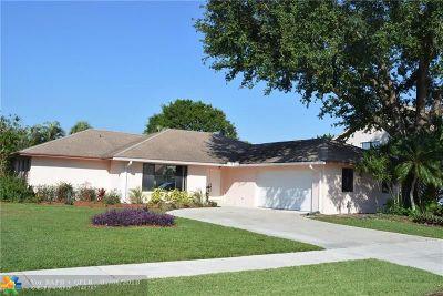 Boca Raton Single Family Home For Sale: 17270 Lake Park Rd