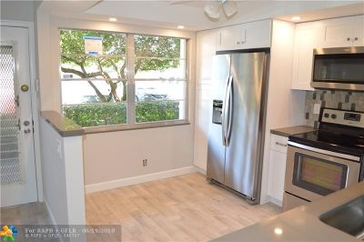 Coconut Creek Condo/Townhouse For Sale: 2102 Lucaya Bnd #L1