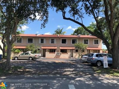Coral Springs Condo/Townhouse For Sale: 8907 NW 38th Dr #8907