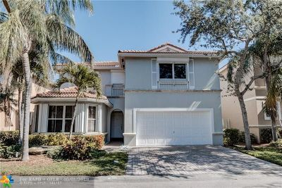 Hollywood Single Family Home For Sale: 1015 Corkwood St