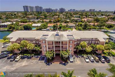 Hallandale Condo/Townhouse For Sale: 455 Paradise Isle Blvd #402