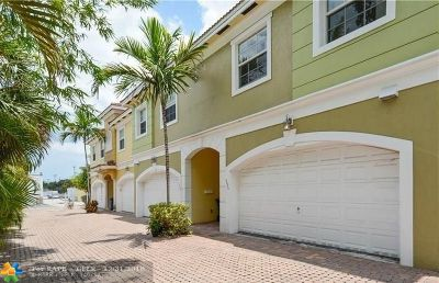 Wilton Manors Condo/Townhouse For Sale: 3020 NE 5th Ter #3020