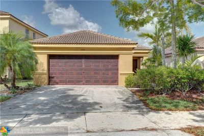 Weston Single Family Home For Sale: 1205 Golden Cane Dr