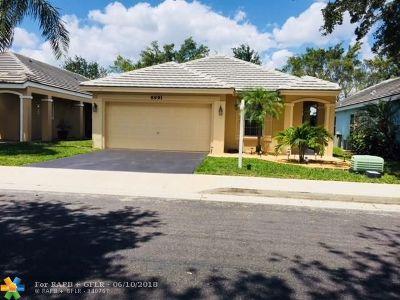 Davie Single Family Home Backup Contract-Call LA: 8991 Lake Park Cir N