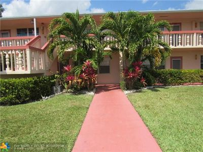 Deerfield Beach Condo/Townhouse For Sale: 247 Ventnor R #247