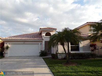 Coconut Creek Single Family Home For Sale: 3674 Coco Lake Dr