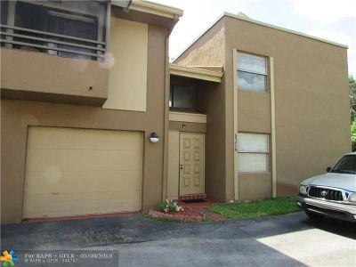 Miramar Single Family Home For Sale: 8374 N Missionwood Cir