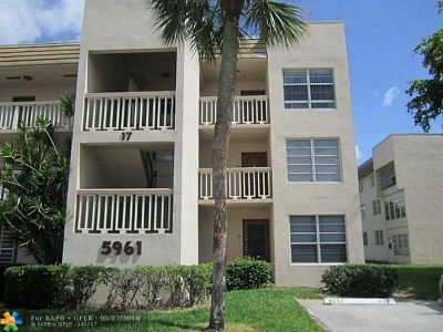 Tamarac Condo/Townhouse For Sale: 5961 NW 61st Ave #306
