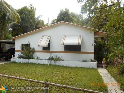 Lauderhill Single Family Home For Sale: 920 NW 34th Ave