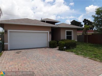 Broward County Single Family Home For Sale: 261 NE 41st St