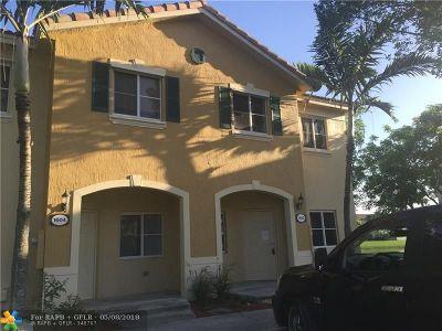 Homestead Condo/Townhouse For Sale: 1600 SE 30th St #1600