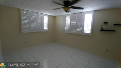 Plantation Condo/Townhouse For Sale: 7100 NW 17th St #301