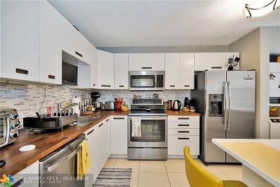 Pembroke Pines Condo/Townhouse For Sale: 1200 SW 124th Ter #403 O