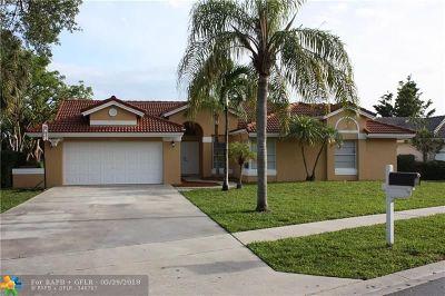 Boca Raton Single Family Home For Sale: 10911 Fox Glen Dr