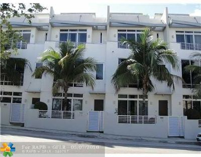 Pompano Beach Condo/Townhouse For Sale: 3254 NE 15th St #3254
