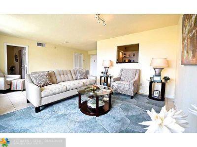 Condo/Townhouse For Sale: 2881 NE 33rd Ct #2G