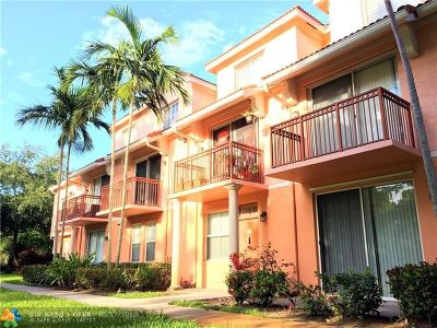 Delray Beach Condo/Townhouse For Sale: 2028 Alta Meadows Lane #1011