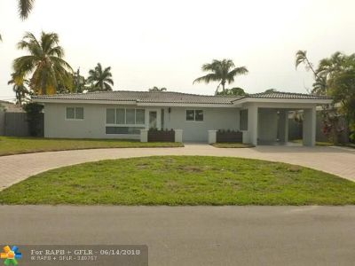Oakland Park Single Family Home For Sale: 4081 NE 15th Terrace