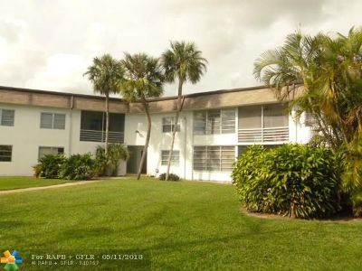 Margate Condo/Townhouse For Sale: 6505 Winfield Blvd #B-46