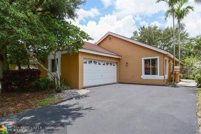 Plantation Single Family Home For Sale: 10054 NW 2nd St