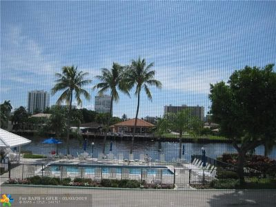 Fort Lauderdale Condo/Townhouse For Sale: 6523 Bay Club Dr #3