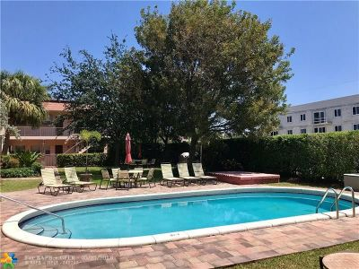 Oakland Park Condo/Townhouse For Sale: 1561 NE 34th Ct #208