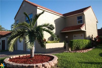 Coral Springs Single Family Home For Sale: 2004 Maplewood Dr