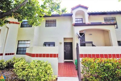 Deerfield Beach Condo/Townhouse For Sale: 2003 Congressional Way #2003