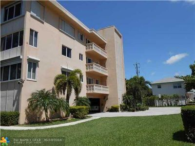 Lauderdale By The Sea Condo/Townhouse For Sale: 1965 S Ocean #308