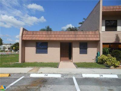 Davie Condo/Townhouse For Sale: 24 Laredo Pl #1-2