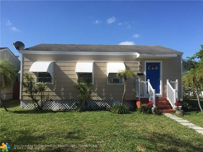 Miami Single Family Home For Sale: 20 Osage Dr