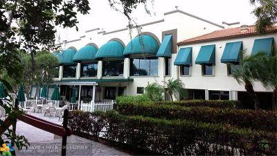 Davie Condo/Townhouse For Sale: 9325 Lagoon Pl #206