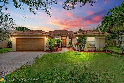 Pembroke Pines Single Family Home For Sale: 12536 NW 18th Mnr