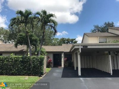 Deerfield Beach Condo/Townhouse For Sale: 1873 Wildwood Ln #1873