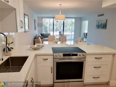 Pompano Beach Condo/Townhouse For Sale: 3505 Oaks Way #201
