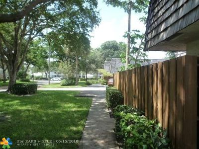 Davie Condo/Townhouse For Sale: 8910 SW 20th Pl #23