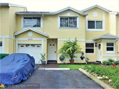 Cooper City Condo/Townhouse For Sale: 12172 SW 49th Pl #12172