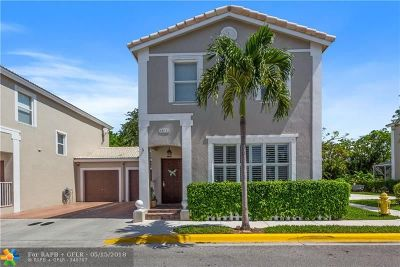Coral Springs Condo/Townhouse For Sale: 10541 NW 57th Ct #10541