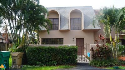 Davie Condo/Townhouse For Sale: 7359 SW 27th Ct #49