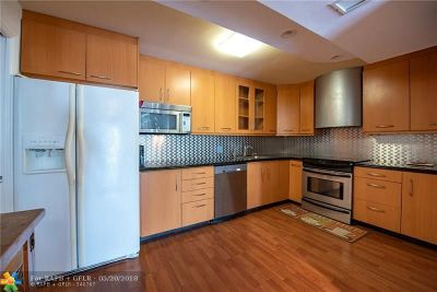 Pompano Beach Condo/Townhouse For Sale: 3051 N Course Dr #407