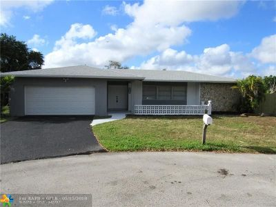 Davie Single Family Home For Sale: 6821 SW 44th Ct