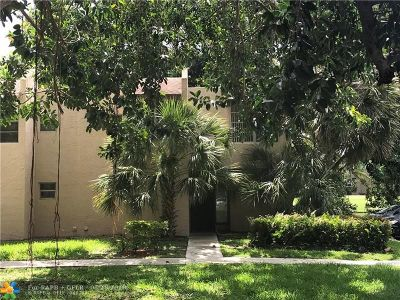 Davie Condo/Townhouse For Sale: 9421 Live Oak Pl #104