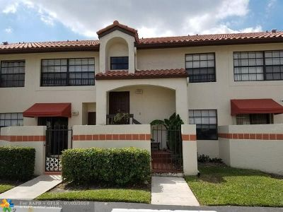 Deerfield Beach Condo/Townhouse For Sale
