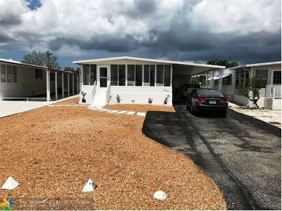Fort Lauderdale Single Family Home For Sale: 5551 Lagoon Dr