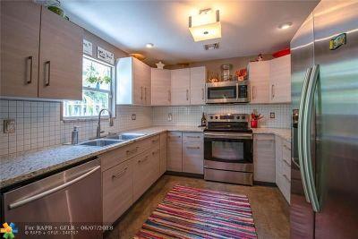 Oakland Park Single Family Home For Sale: 1533 NE 35th St