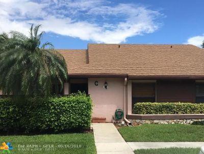 Boca Raton Condo/Townhouse For Sale: 8721 Boca Glades Blvd #C
