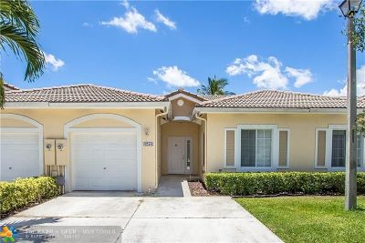 Deerfield Beach Single Family Home For Sale: 4258 SW 10th Pl